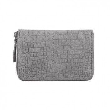 7390302401e8d Das trendige Portemonnaie mit Reptilprägung in elegantem Grau aus dem Hause  DEPECHE ist aus exklusivem Wildleder gefertigt. Versandkostenfrei bei  melovely. ...