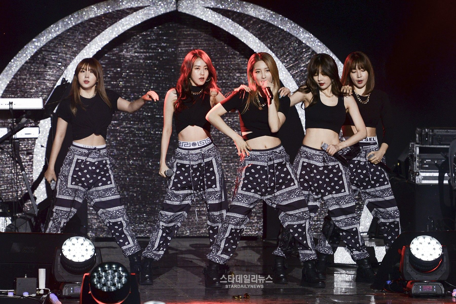 Cube Entertainment Reps Say 4minute Members Have Decided To Disband 4minute Cube Entertainment Entertaining