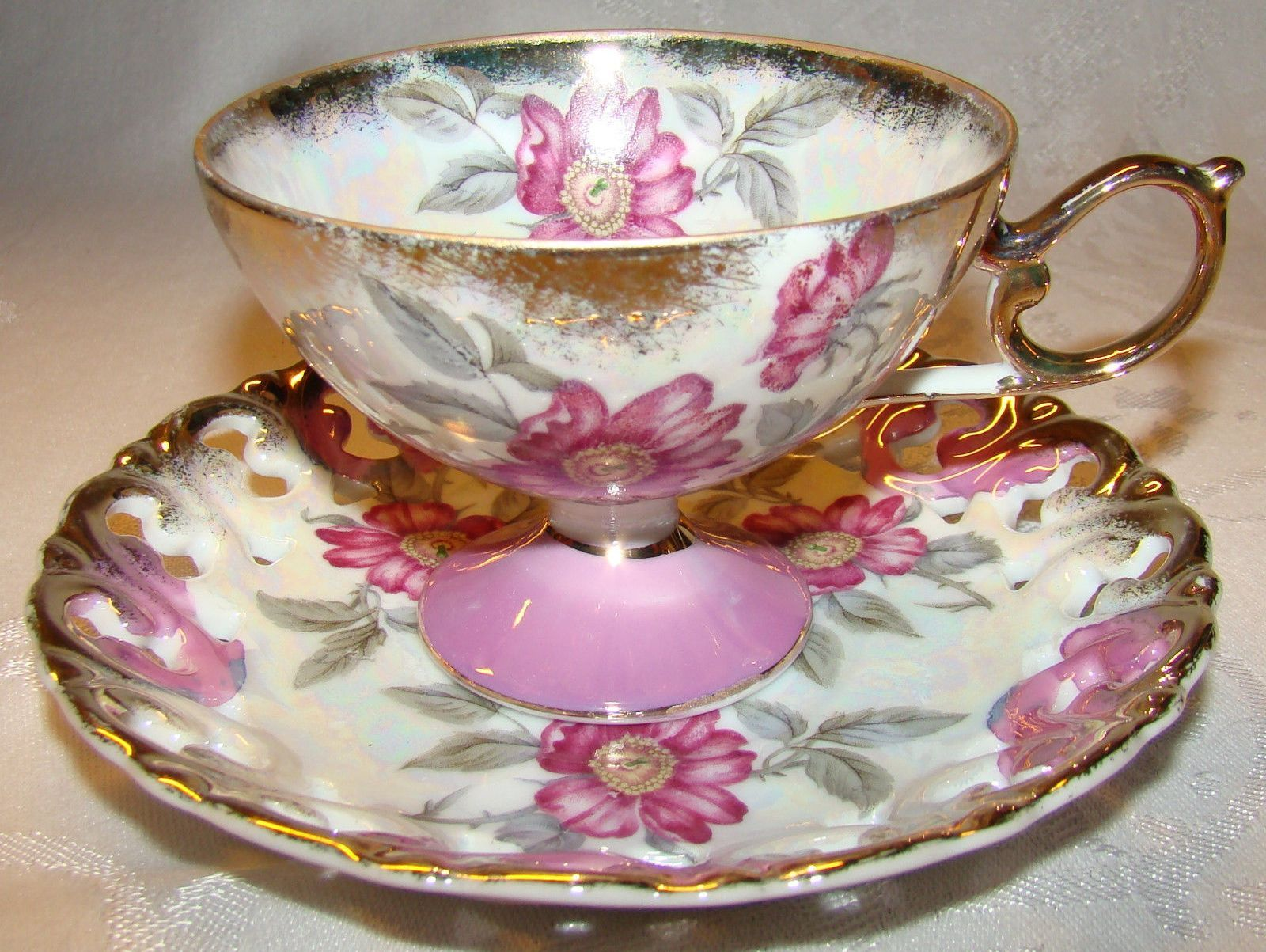 Vintage Royal Halsey Tea Cup Pink /& Yellow Floral White Iridescent Luster 6 oz