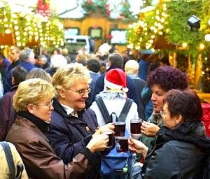 #Mulled #wine, called #Glühwein in #German, is a #traditional and tasty #Christmas drink, a prefect treat for cold winter days. You can buy mulled wine at every German Christmas market. Great Glühwein #recipe!
