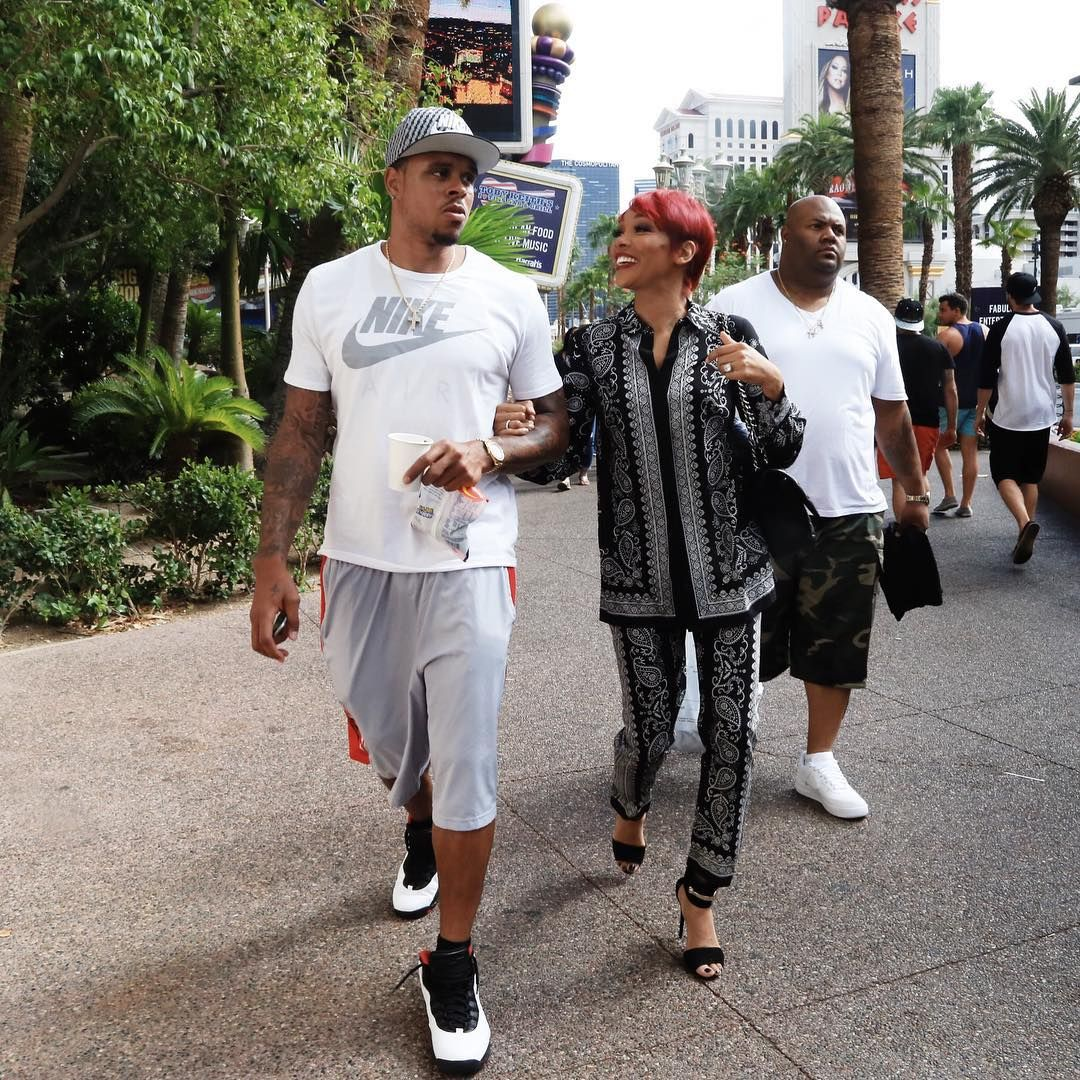His face tho...haha  #shannonbrown #MonicaBrown