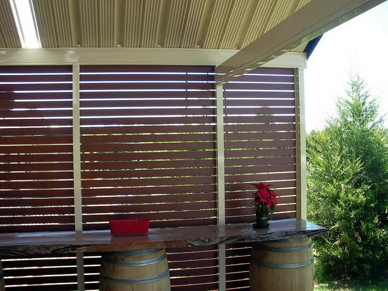 Outdoor privacy screen ideas outdoor patio screen ideas for Backyard patio privacy ideas
