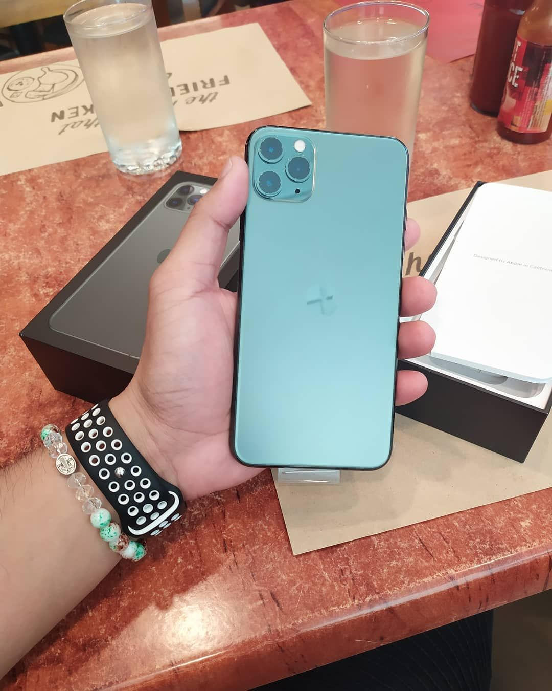 Iphone11 Iphonexsmax Apple Appleiphone Airpods Shoppingonline Teamiphone Iphonecase Tech Luxurywatch Appleproducts Iphone8 Iphonex