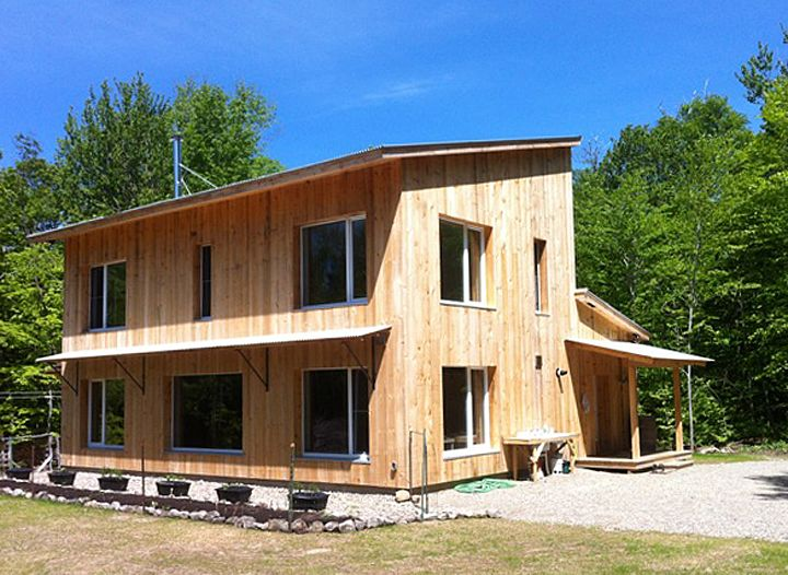 Vermont House Uses Only Half A Cord Of Firewood Wooden House Design House Heating Small Wood Stove