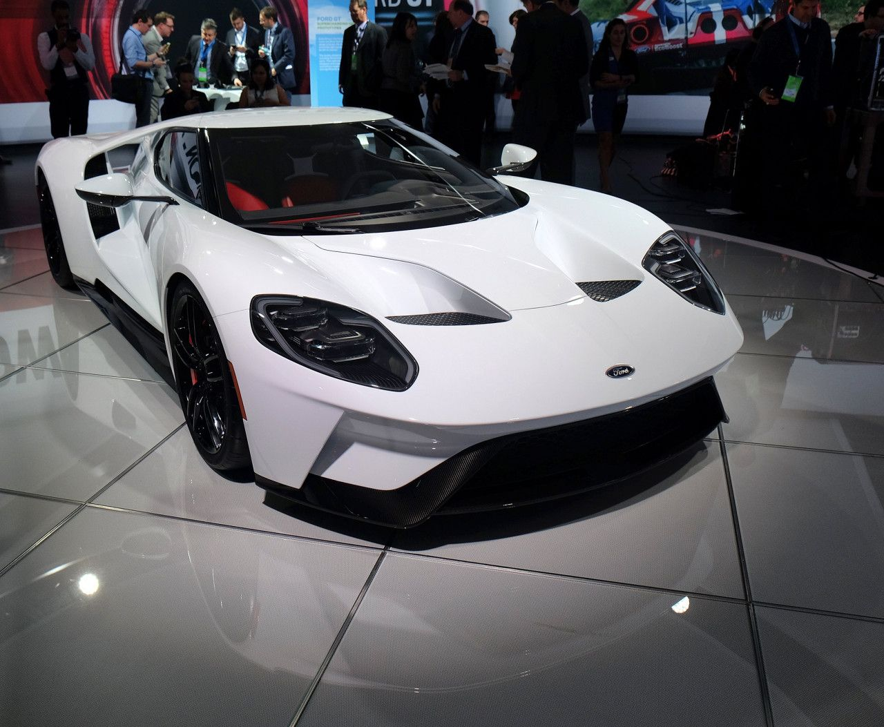 A Sketch Comes To Life 2017 Ford Gt Supercar Design Milk Super Cars Supercar Design Ford Gt