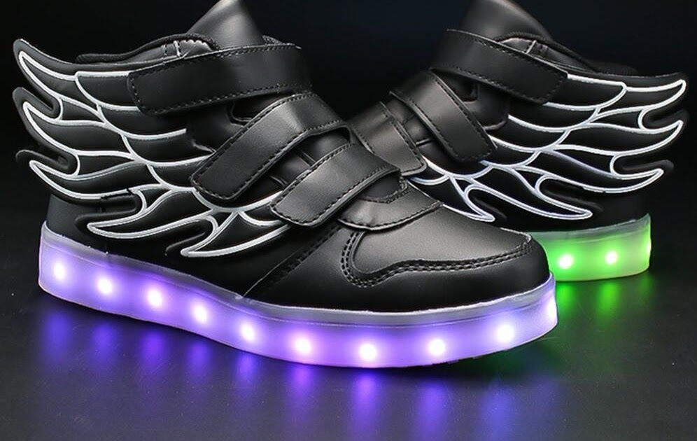 Cheap Price UncleJerry Kids Light up Shoes with wing