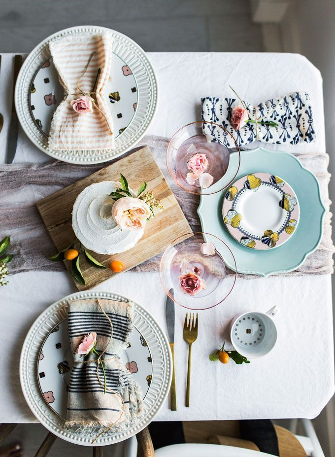 5 Easy Ways To Brighten Up Your Kitchen This Spring Hello Fashion Decor Mismatched Plates Home Mix and match dinnerware sets