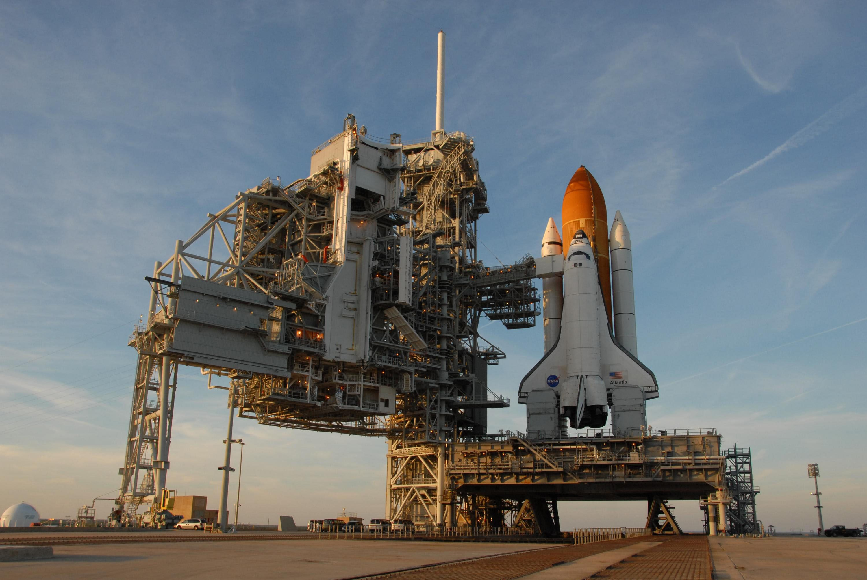 space shuttle atlantis - HD3000×2008