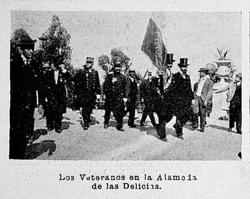 Veteranos del 79 en la conmemoraciòn del 24º Aniversario de la Batalla de Chorrillos y Miraflores y la inauguraciòn del monumento a Benjamìn Vicuña Mackenna, en Santiago.  Revista Sucesos, año 1905