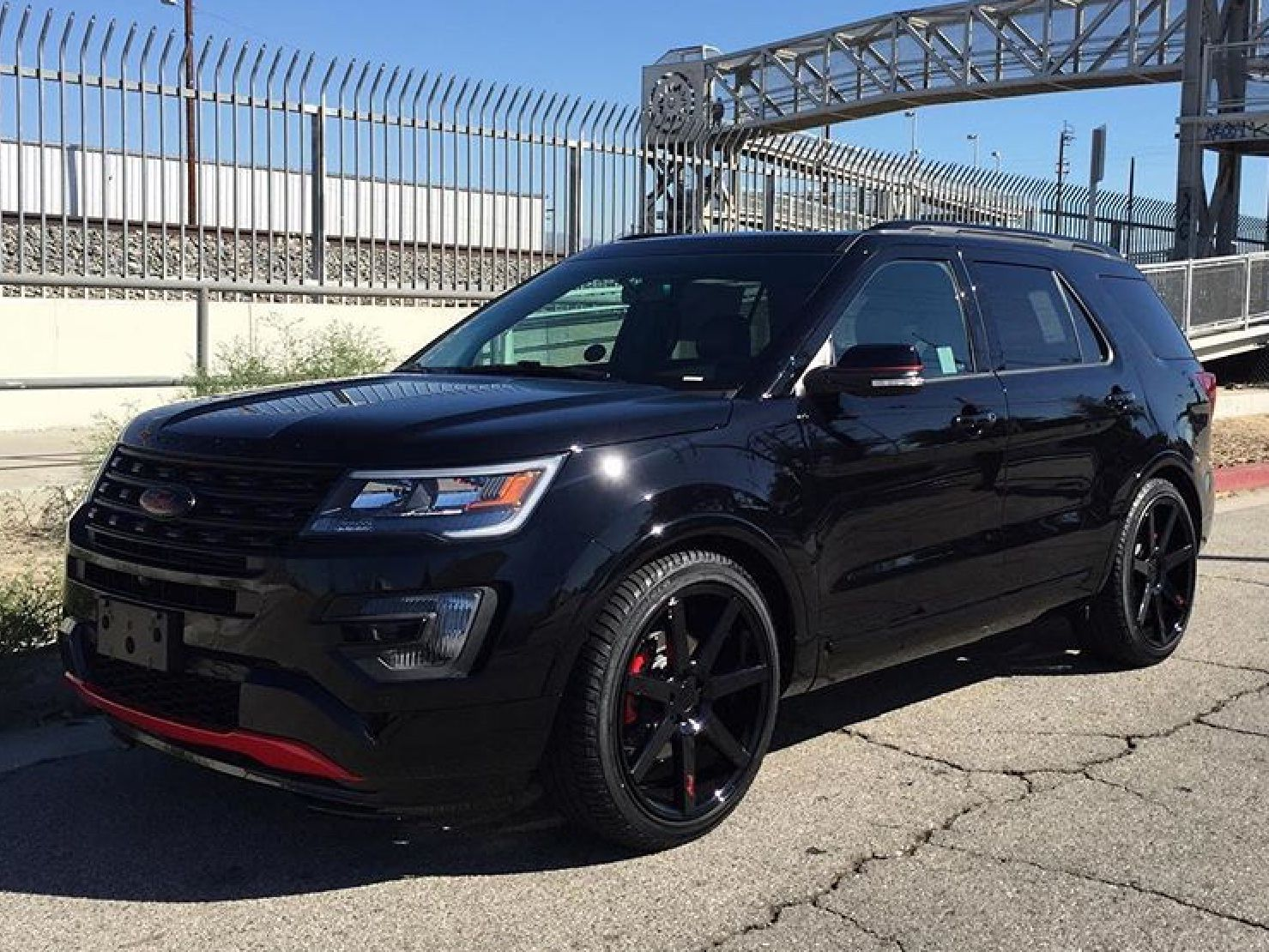 Pin By Hector Garcia On Ford Explorer Club 187 Ford Explorer Ford Explorer Sport Luxury Suv