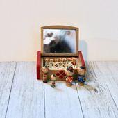 Painted Mirrored Kokeshi Trinket Box with 4 Miniature Kokeshis – natalie