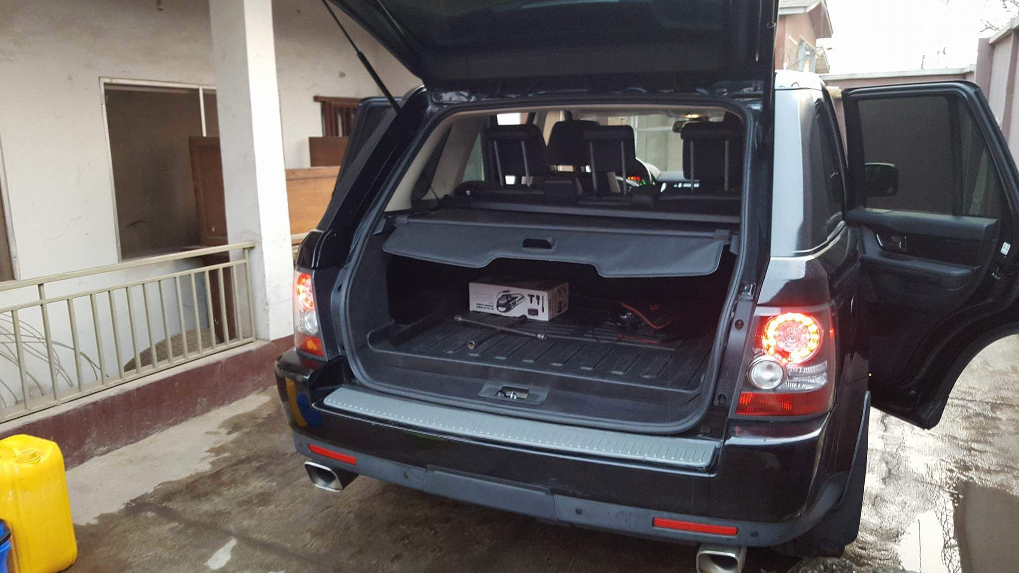 Sharp Travel Ready 2010 Range Rover Sport Nothing To Fix