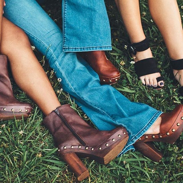 It's Saturday. Kick off your shoes, or don't. ✨@freepeopleatlanta : @valheria123 •link in bio to shop•