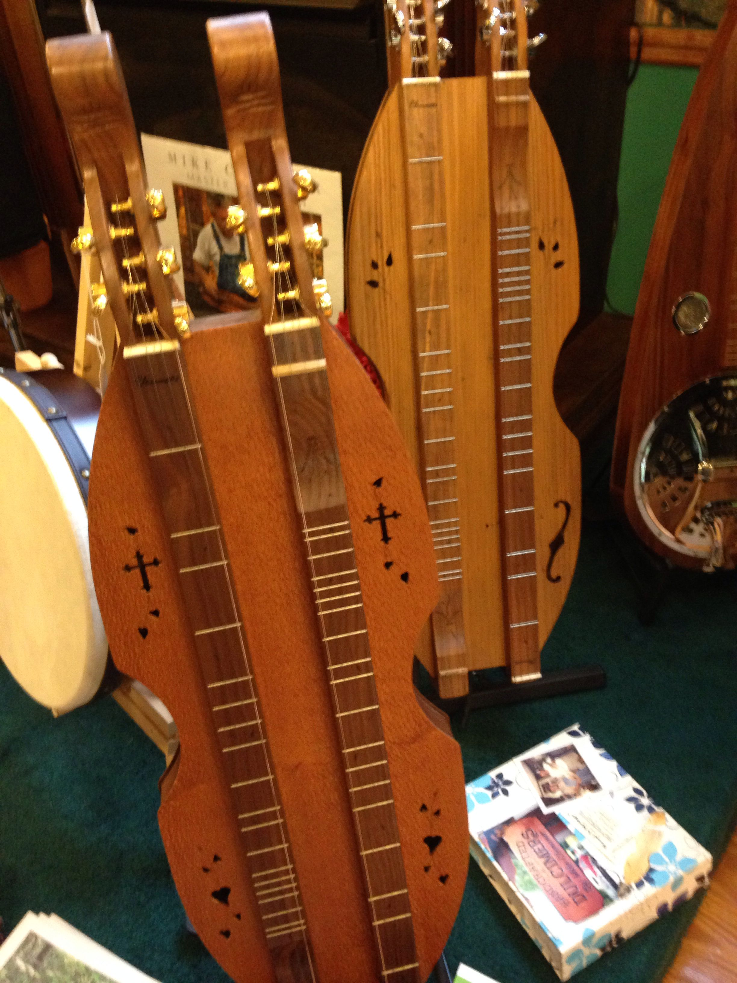 Double dulcimer. No need to retune to a second scale.
