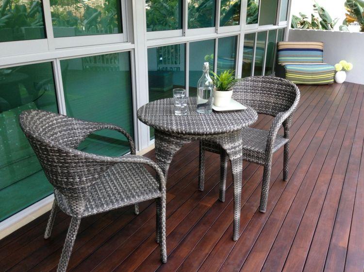 rattan balkonmbel ideen holzdielen rustikale einrichtungsideen mit charme - Rustikale Einrichtungsideen