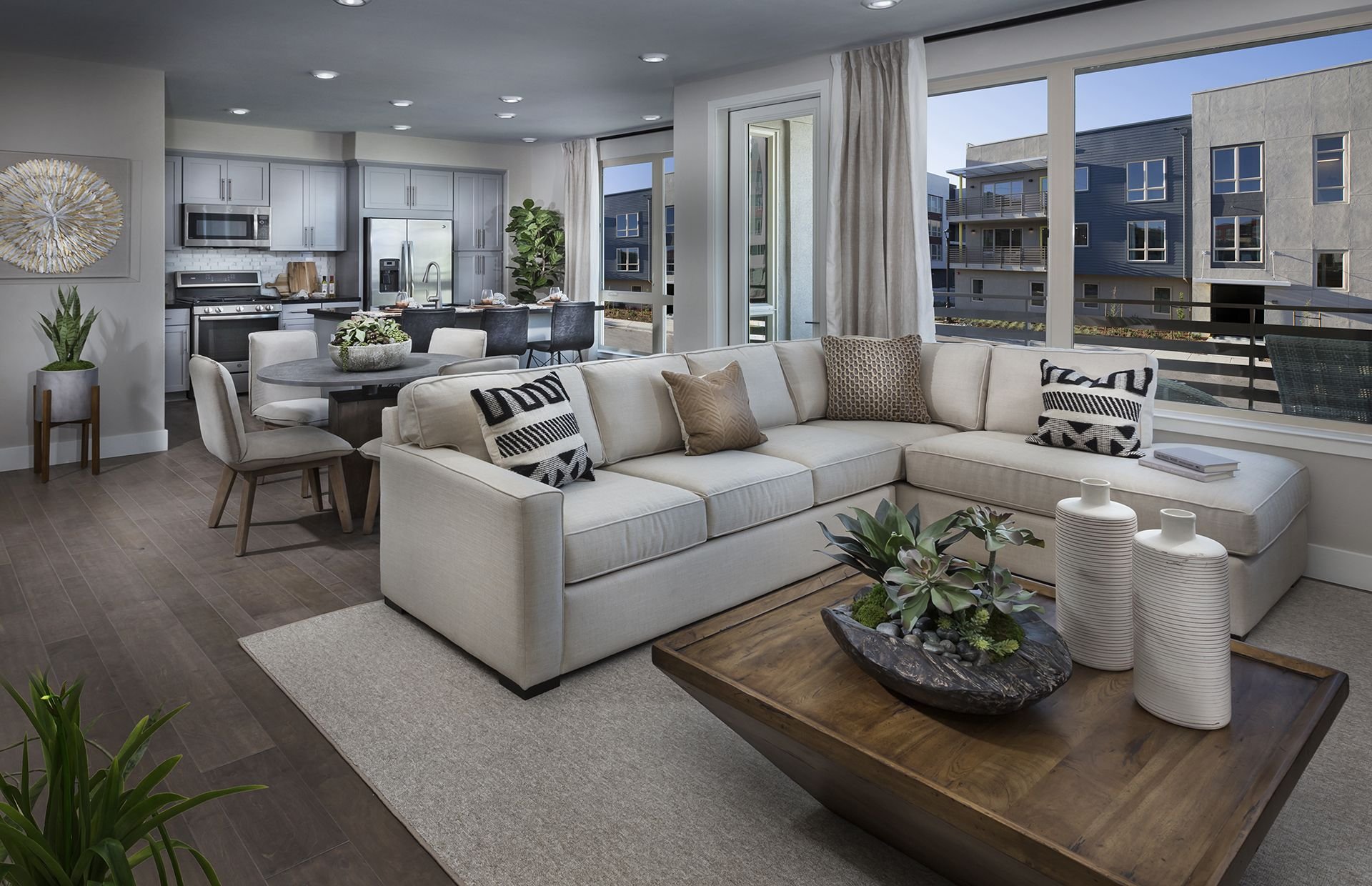 Tremendous Upscale Modern And Spacious Living At Somont In Milpitas Evergreenethics Interior Chair Design Evergreenethicsorg
