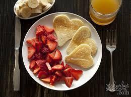 Risultati immagini per breakfast in bed