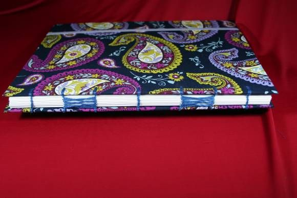 Caderno Paisley - encadernação Copta Cruzada  www.munayartes.com