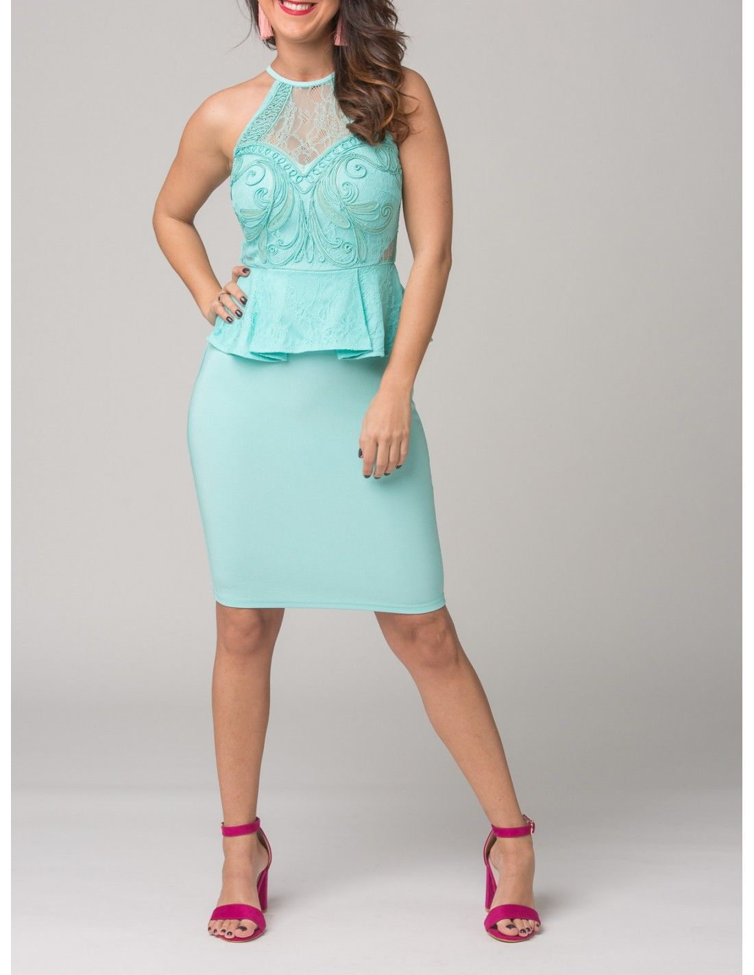 70e2b0bfe1 Vestido Belfast   Lipsy London - Vestido midi ajustado en color verde agua.  Cuello halter