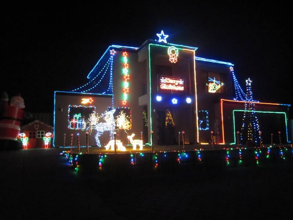 Christmas Lights Perth No 1 Free Online Guide For Wa Families Http Www Buggybuddys Com Best Christmas Light Displays Christmas Lights Best Christmas Lights
