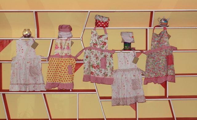 Schurzen für mädchen in Rosa  Grembiulini rosa per bambine