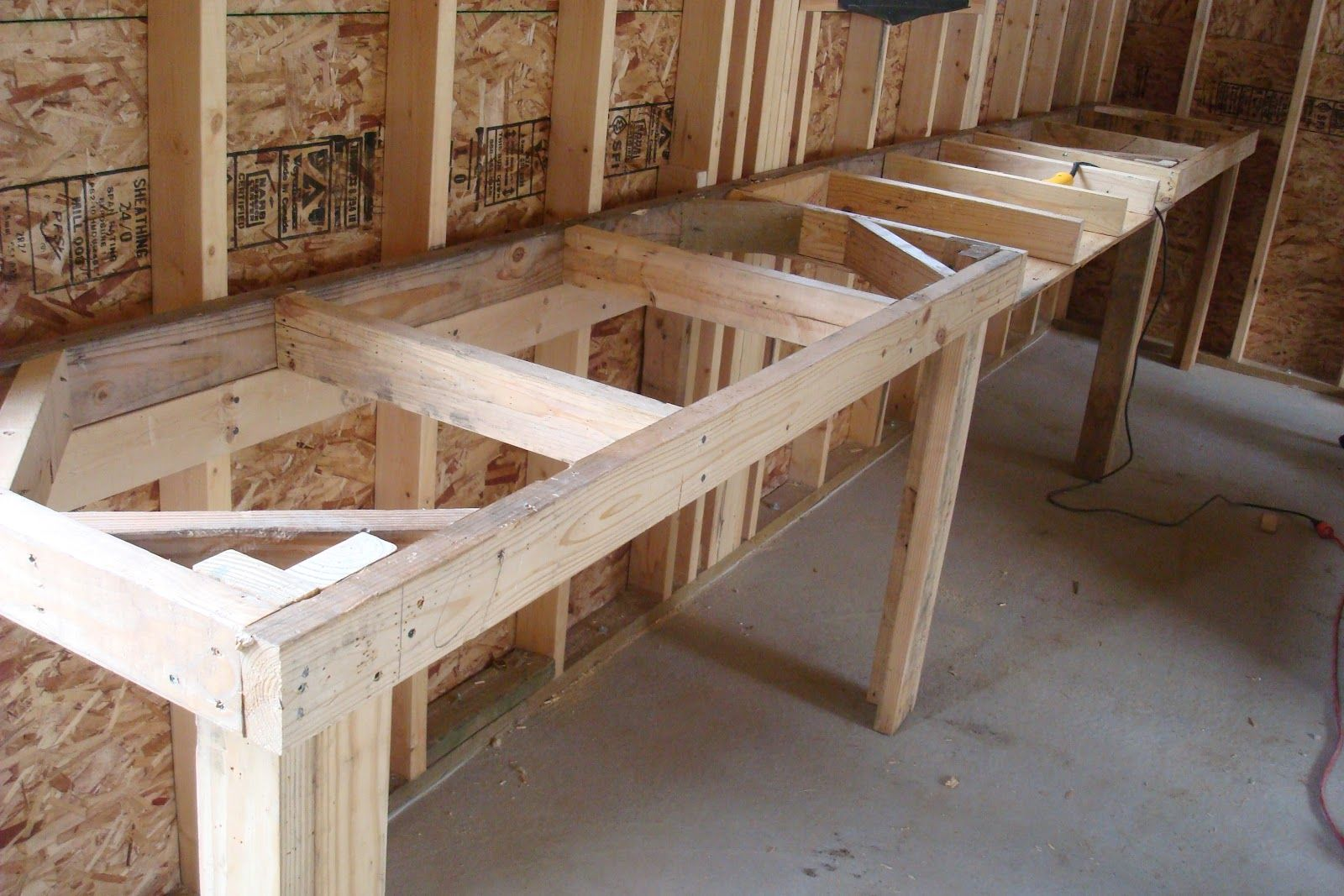 Workbench From Reclaimed Wood Garage work bench, Simple
