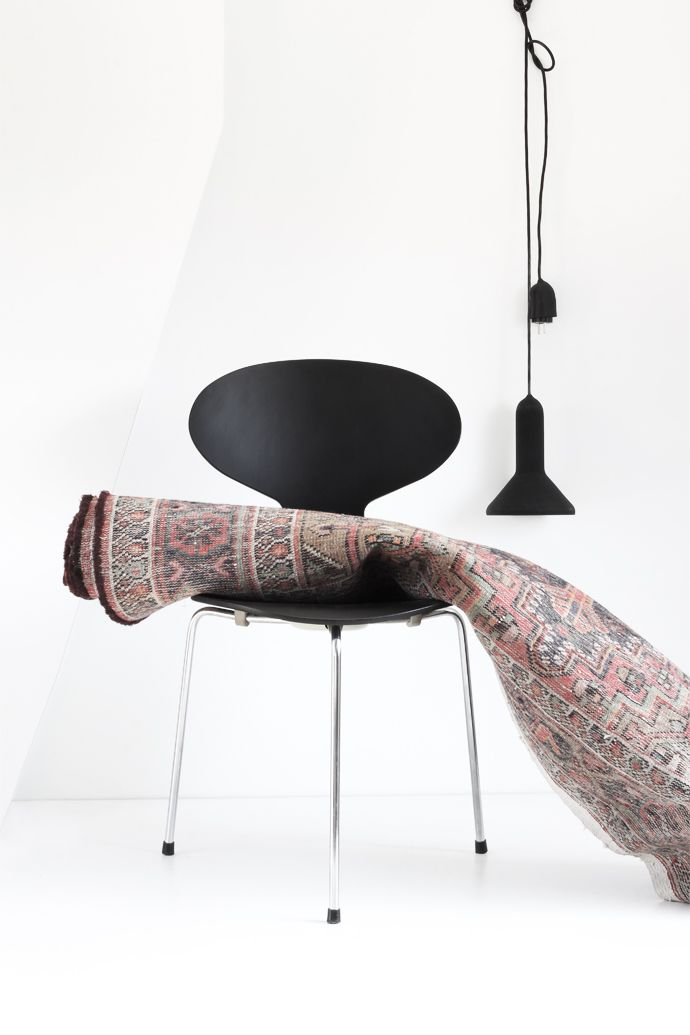 Mydubio Arne Jacobsen Ant Chair Faded Rug