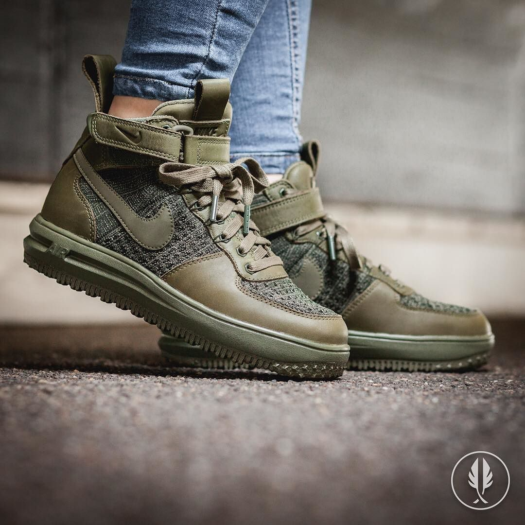 Nike Air Force 1 Flyknit vede militare