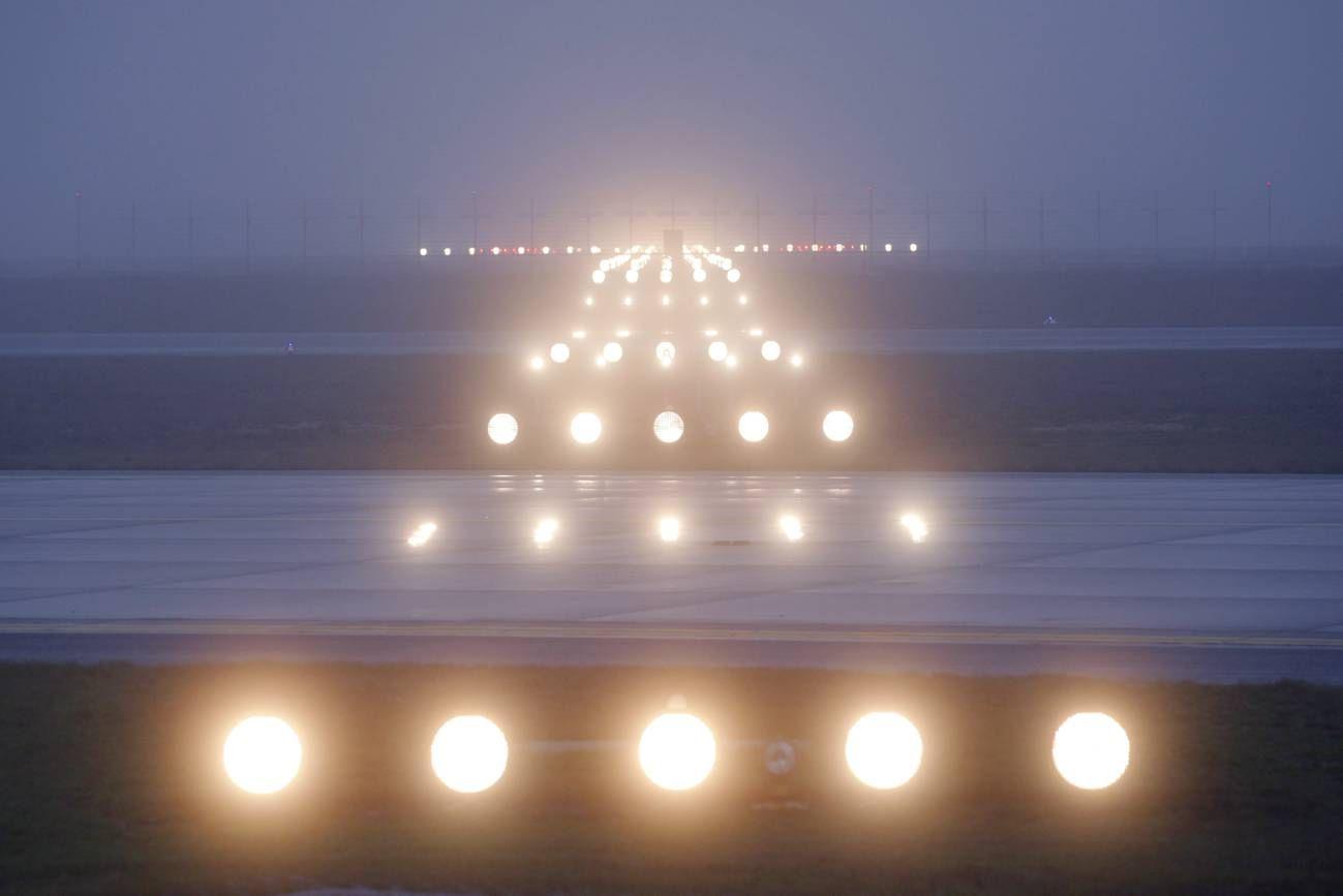 Runway Lights In The Fog Fog International Civil Aviation