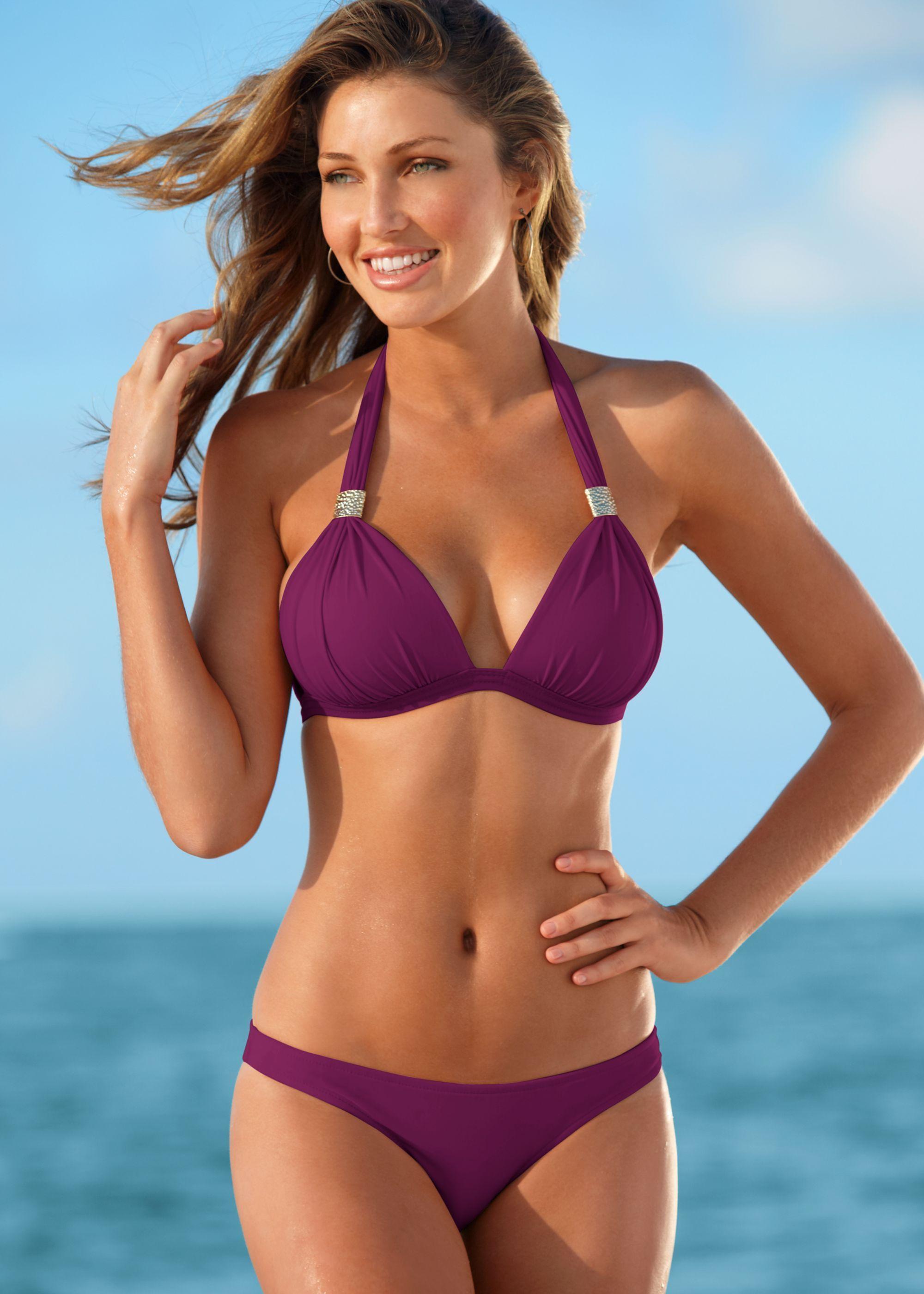 023a96501a433 Simone Villas Boas shows off her incredible bikini body. Simone Villas Boas  shows off her incredible bikini body Disney Bathing Suit