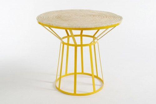 table en fer forgé, tressée main, couleur jaune, commerce