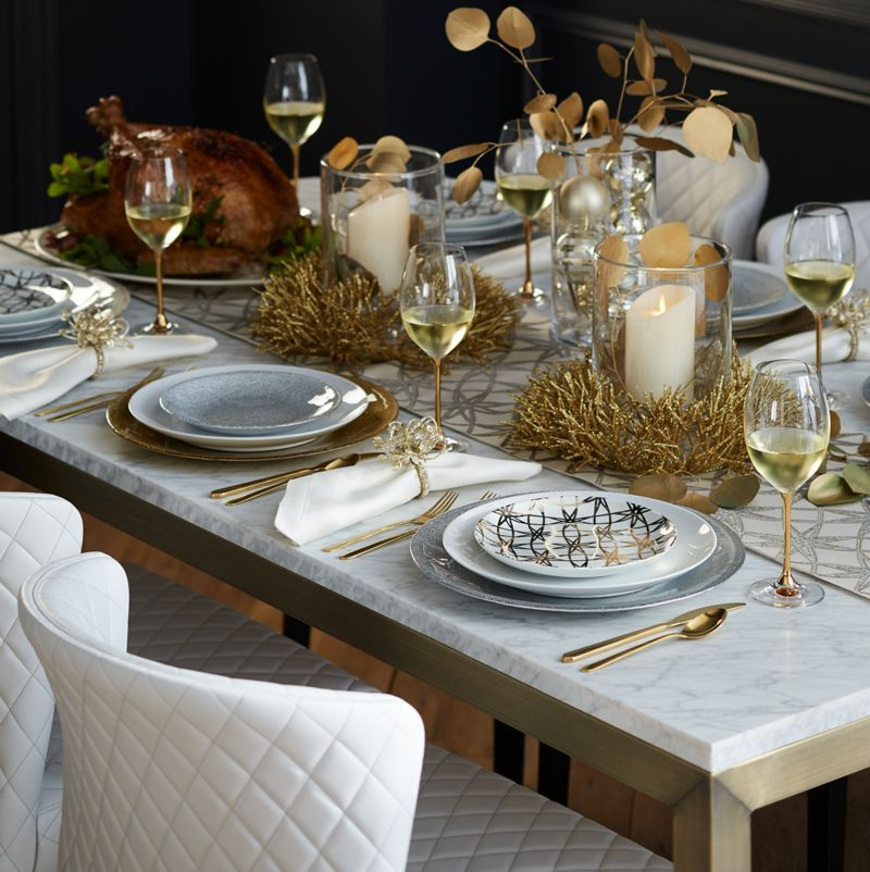Holiday Table Settings | Holiday tables, Table settings and Holidays