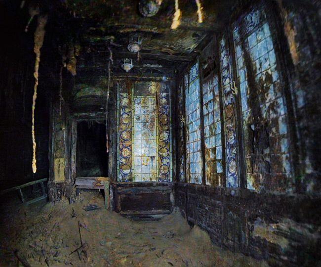 Ghostwalking in Titanic | Titanic and Turkish bath