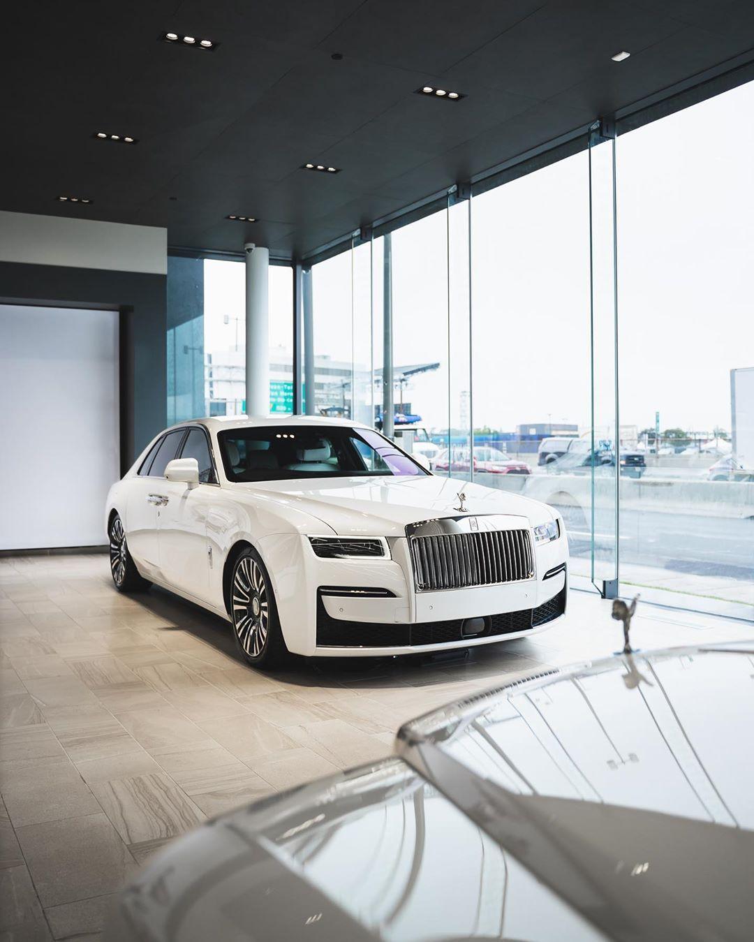 34+ Rolls royce ghost lease background