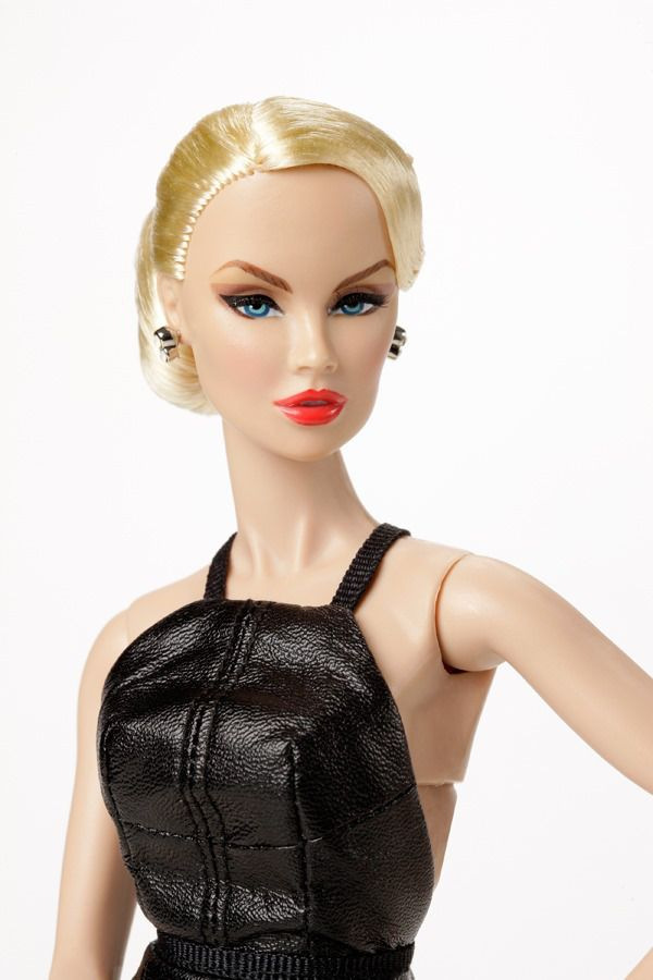 Black Orchid Vanessa Perrin™ Dressed Doll 2013 Convention Exclusive Centerpiece
