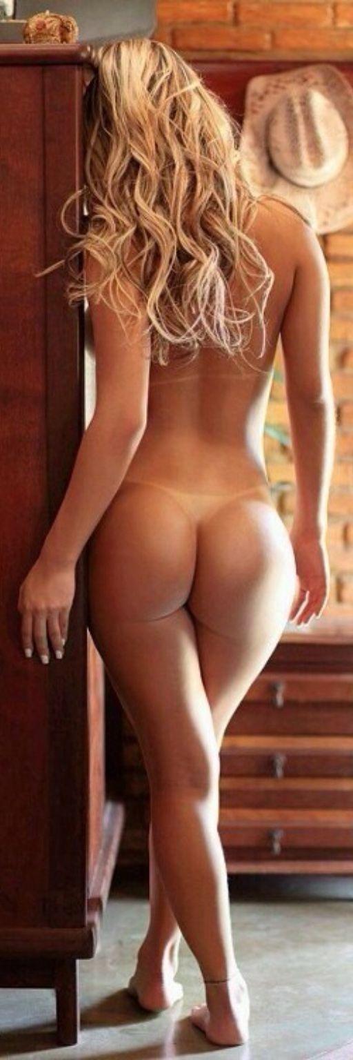 Hot nude vampire woman