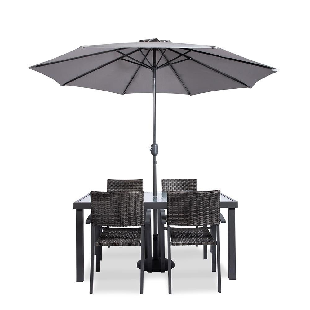 Enjoy A Relaxing Dinner Outdoors Or Just Relax On The Deck Or