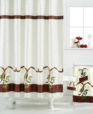 Holiday Nouveau Bath Collection Store\u0027s Christmas bathroom