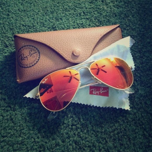 e99edf14cc038 Aviator Ray-Bans Orange red tinted lenses with a gold frame. VERY ...