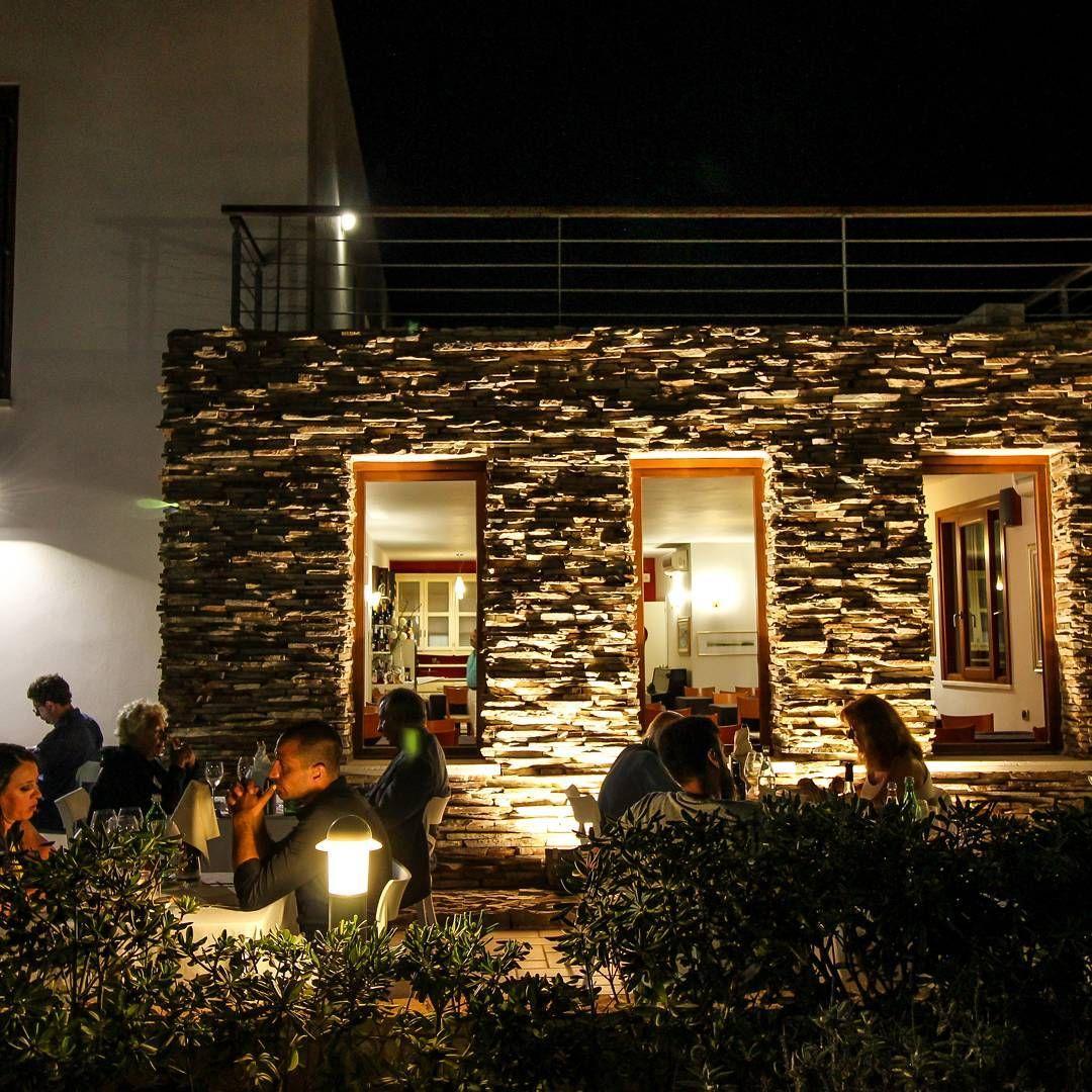 Atmosfera romantica #ristorante #lampedusa #vacanzealmare # mare #vacanze #albergo #cucinagourmet  #guidamichelin http://www.butimag.com/ristorante/post/1482962362205161005_1932619291/?code=BSUimlOg0Yt