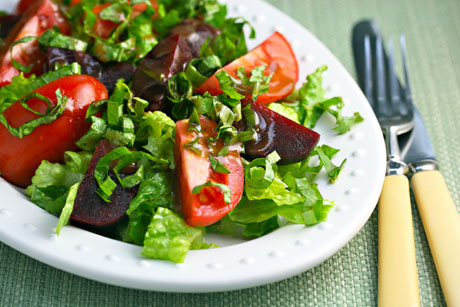 Tomato, beet and basil salad with balsamic vinaigrette. #vegan #glutenfree