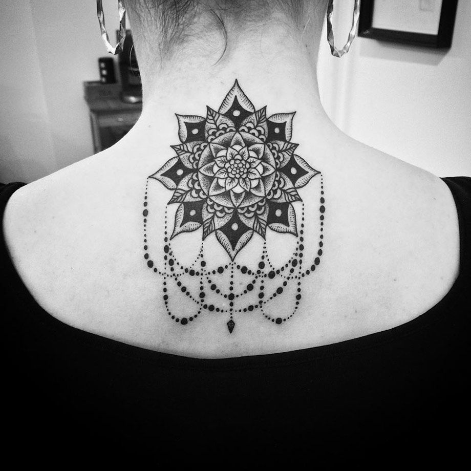 Mandala tattoo on the nape of my neck - Cute Black Ink Mandala On The Back Of Girl S Neck With A Pretty Teardrop Necklace Hanging From It