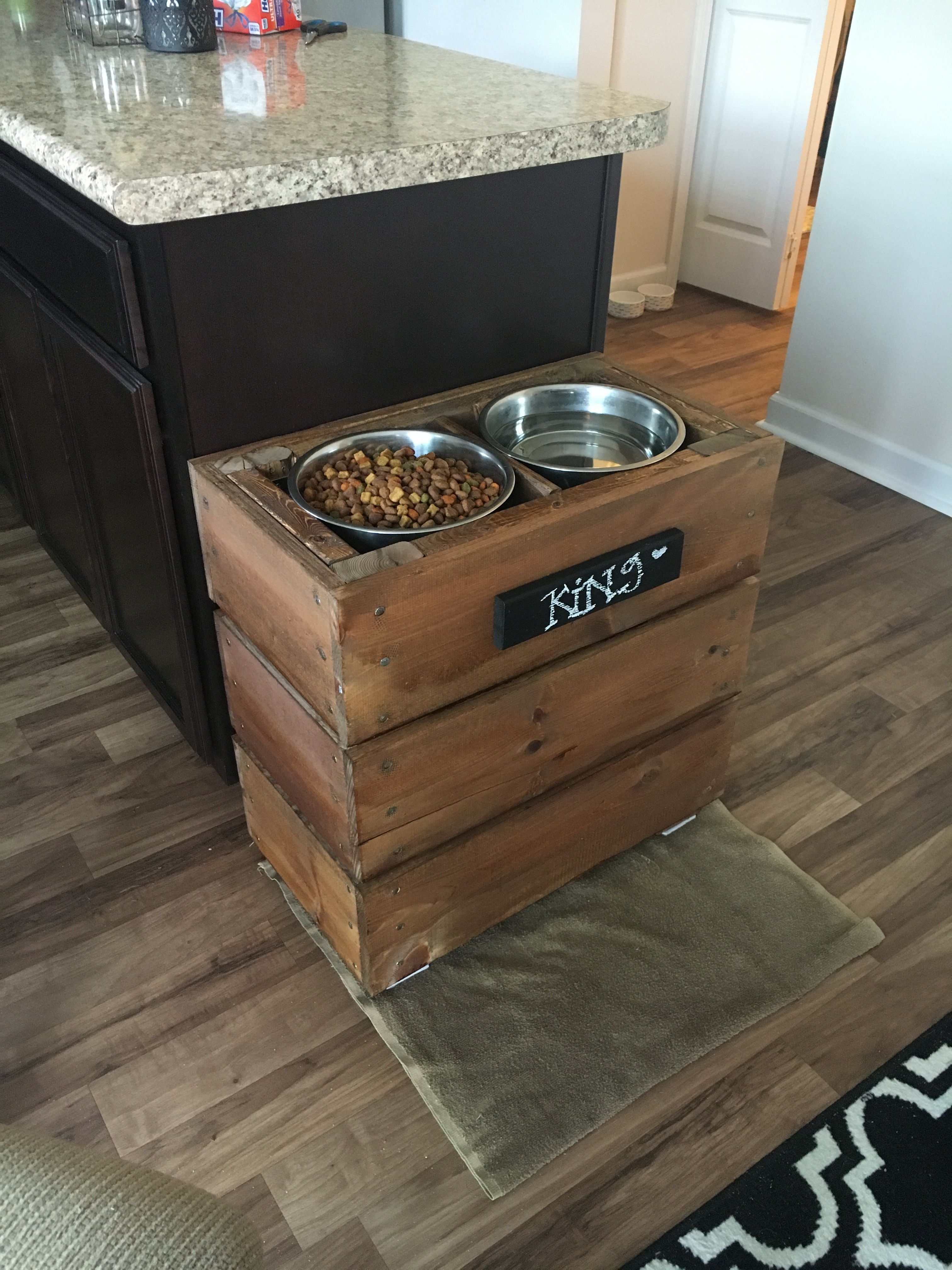Elevated Dog Bowls For My Great Dane Great Dane Kennels Dog