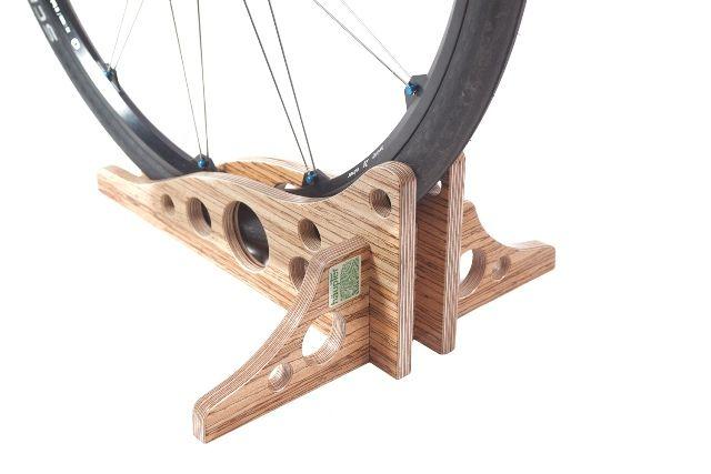 holzfahrrad staender fahrradhalter projekt holzsport. Black Bedroom Furniture Sets. Home Design Ideas