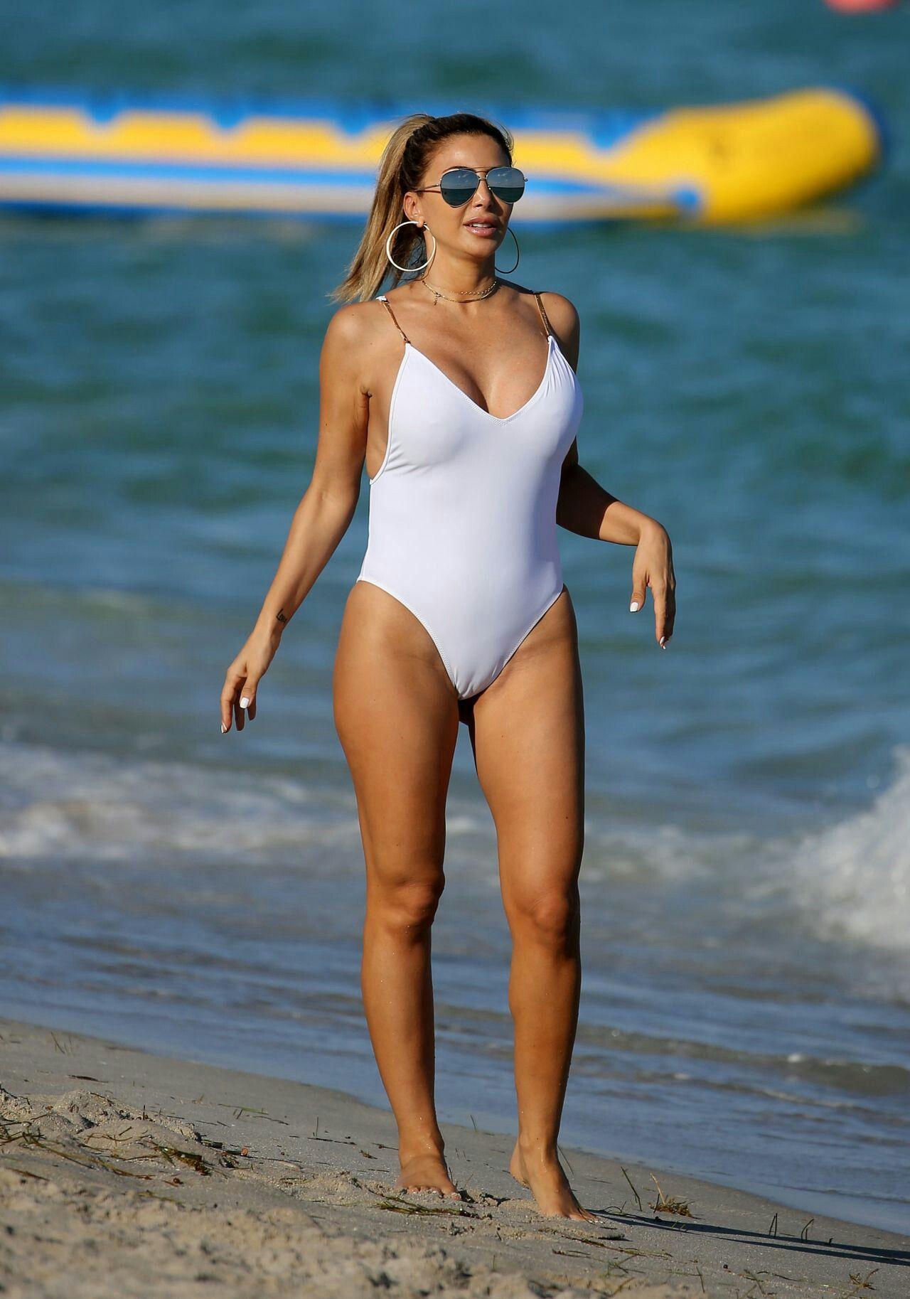 camel toe swimsuit