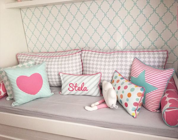 eac3154d14bf5a Quarto Stela - nara maitre | design e estampas | Pillows | Quartos ...