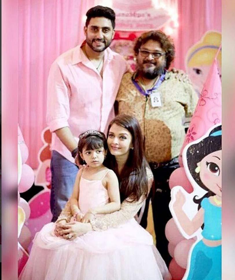 Inside Pics Of Aaradhya Bachchan S Birthday Bash Mom Aishwarya Dad Abhishek Pose With Their Princess Princess Cute Girl Poses Aaradhya Bachchan