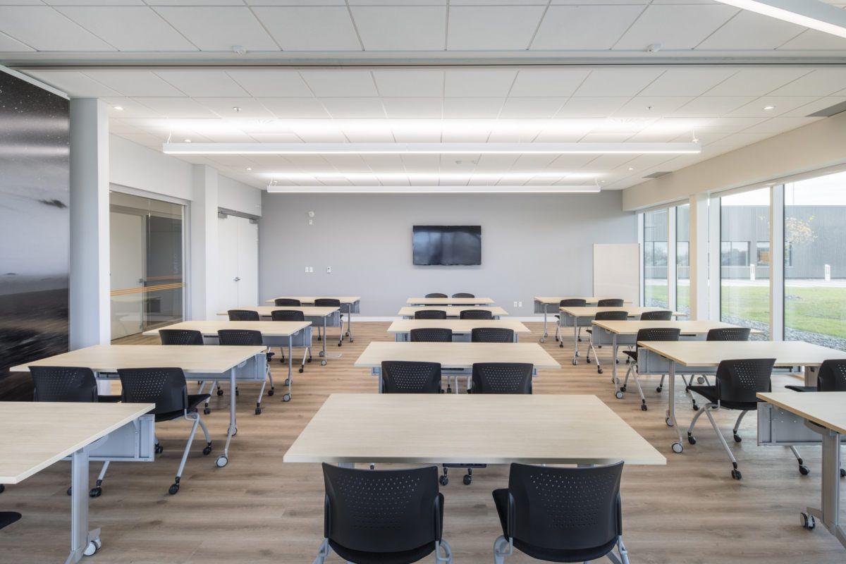 Eddyfi Offices Quebec City Office Snapshots In 2020 City Office Office Design Design