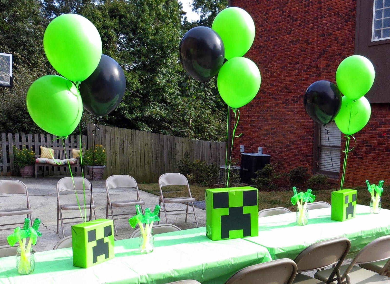 Room Mom Extraordinaire Minecraft Birthday Party Centerpiece Idea