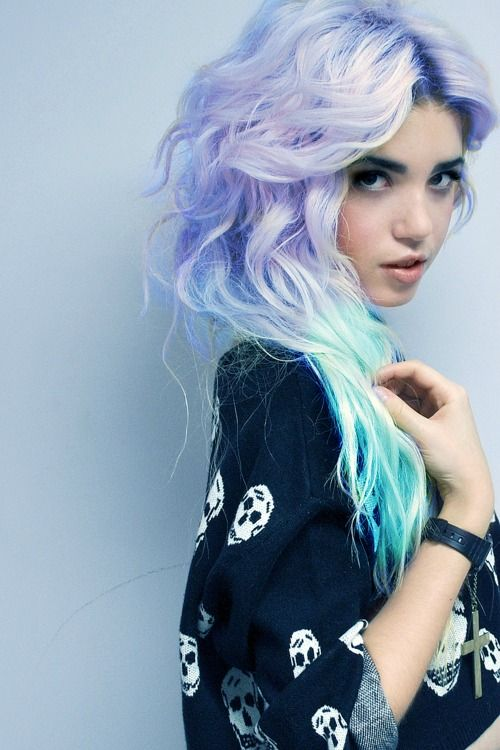 blue and purple hair heck yes<3